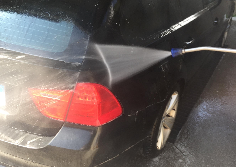 Hochdruckreiniger kaufen - Reinigung BMW